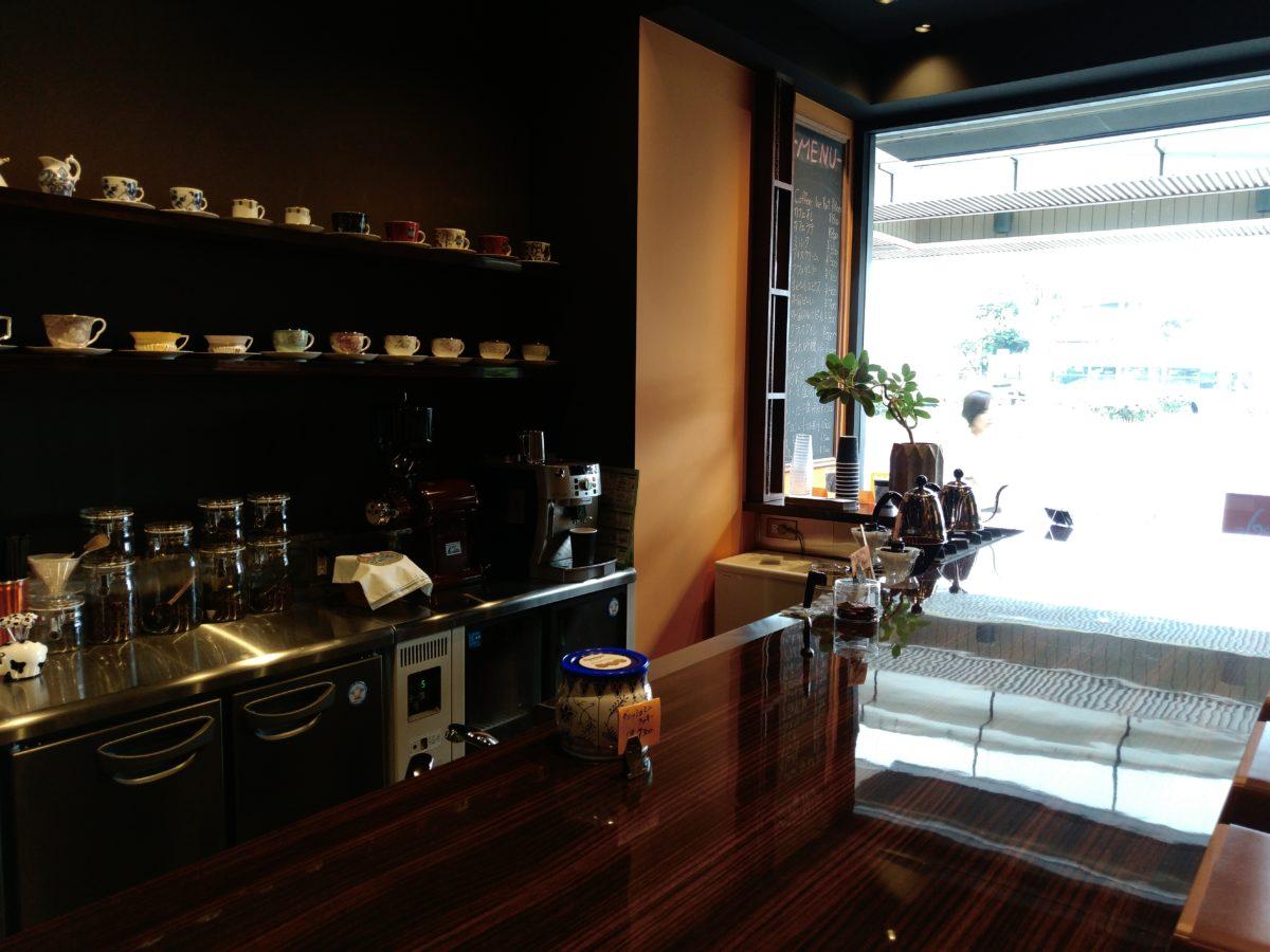 LeTV Leeco Le Max 2を使ってカフェで撮影。逆光状態でもかなりキレイです