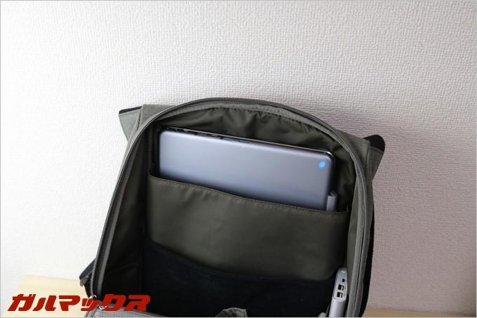 小さめのバッグにもChuwi Hi12はスポッと入ります