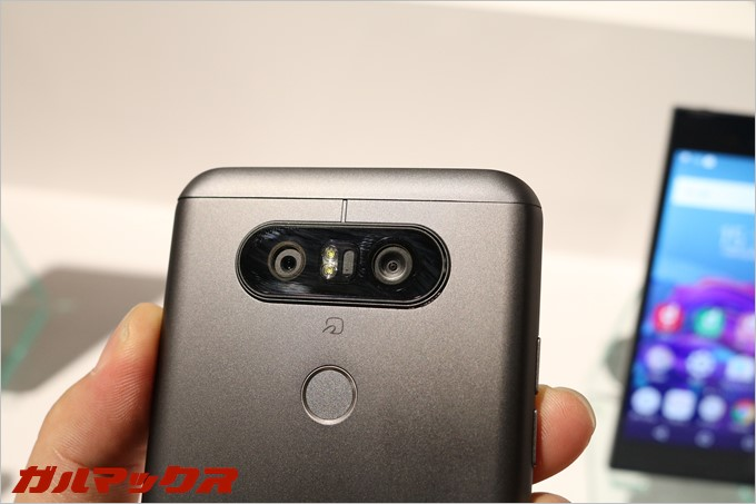 デュアルカメラが搭載された唯一のドコモAndroid端末