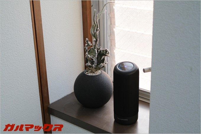SoundPEATS「P4」は省スペースなのでちょっとした箇所にも置ける。
