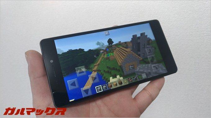 RAIJINでのゲーム動作。Minecraftくらいなら全く問題なく遊べる