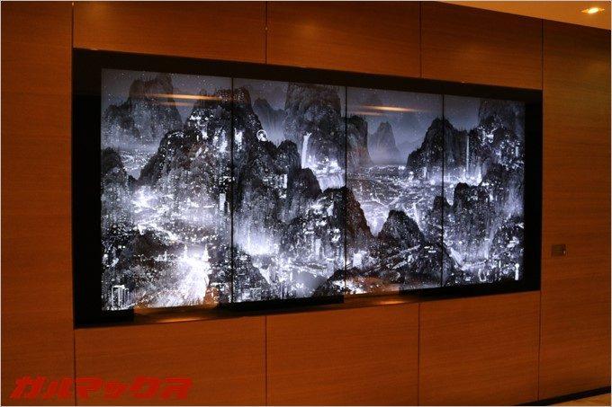 中国のビデオアーティスト楊泳梁氏のビデオアート作品である「極夜の書」がハンブルハウス台北に飾られています。