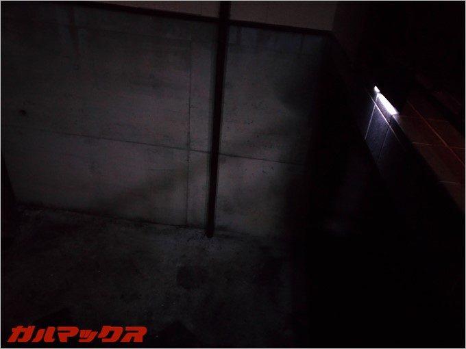 常夜灯モードでの点灯時は優しい光で照らしてくれます。