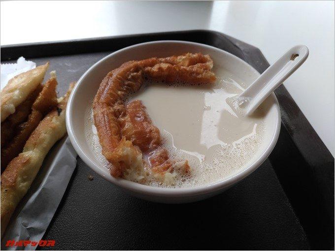 台湾ではお麩を豆乳にぶち込むのが通みたい。