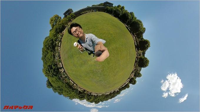 Xiaomi mijia 3.5Kで撮影した写真。ボールの上に乗っているような写真が撮影可能