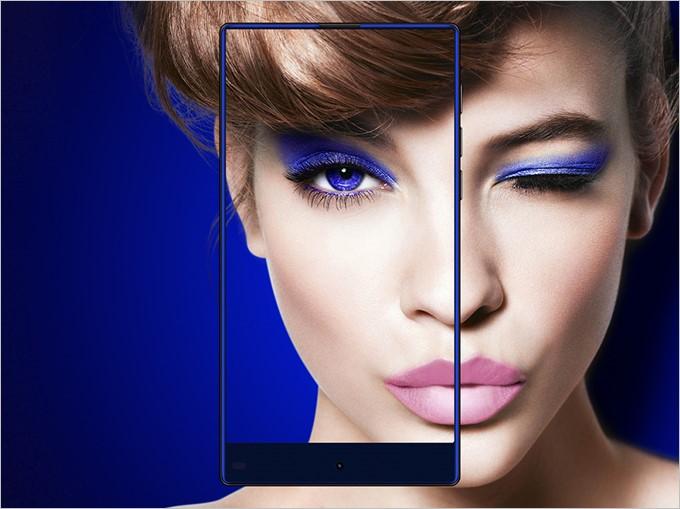 画面占有率90%の3辺ベゼルレスデザインを採用