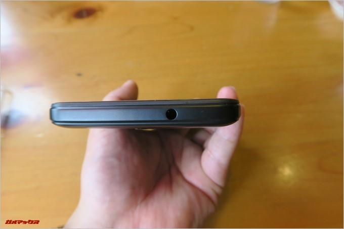Gretel「GT6000」の本体上部にはイヤホンジャック(3.5mm)が備わっています。
