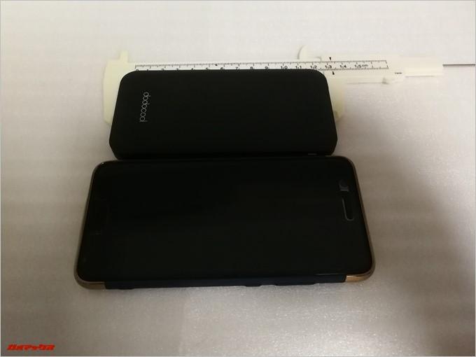 dodocool DP21は5型サイズのスマートフォンより小型です