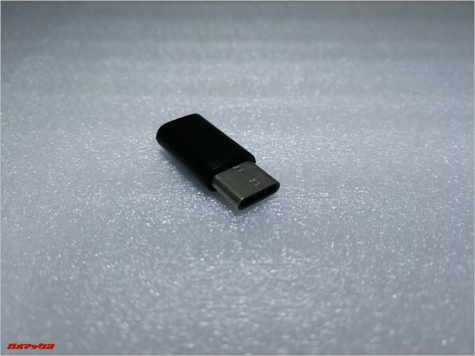 付属のMicroUSB-USBTypeC変換コネクターはデータ通信も可能です