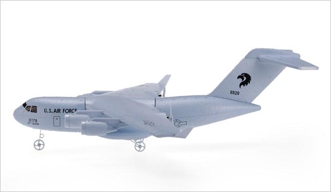 C-17トランスポート航空機のラジコンはEPPフォームという特殊な素材を採用