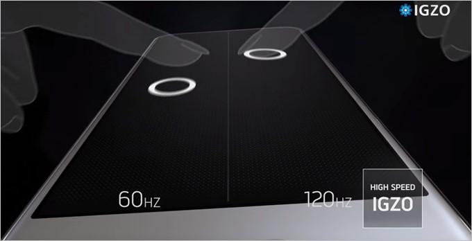 AQUOS R Compactは120Hz駆動のIGZOディスプレイで指に吸い付くような操作感を実現