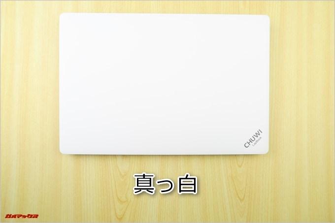 CHUWI LapBookの天板は真っ白です