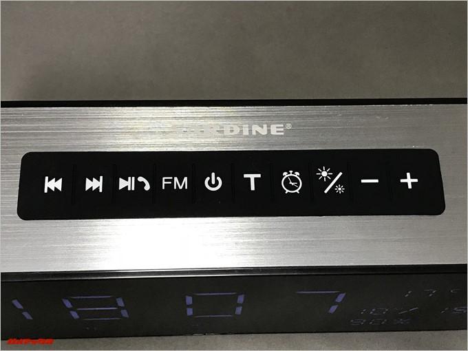 SARDiNE A10は本体上部にボタンが備わっています