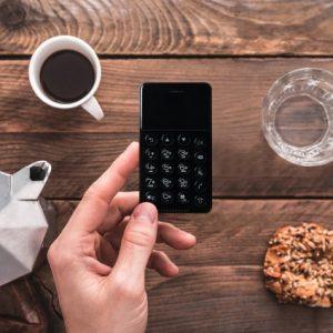 カード型スマホ「NichePhone-S」が欲しくないと思った3つの理由
