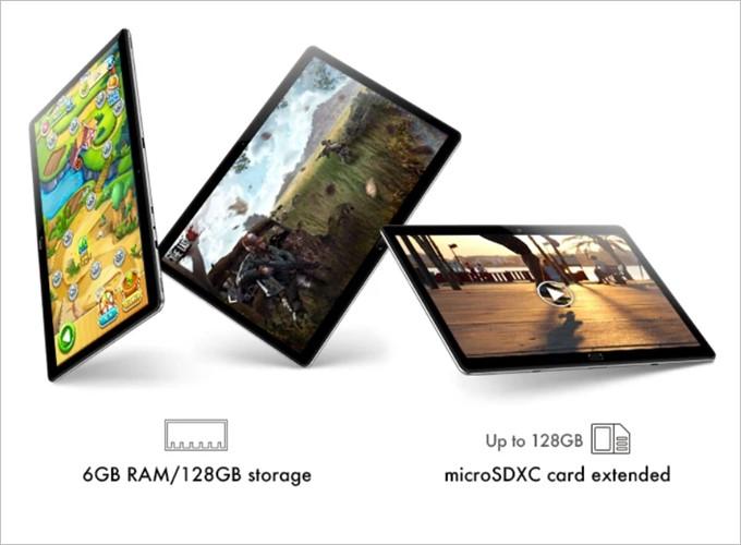 Chuwi CoreBookは128GBの内部ストレージ、外部スロットにMicroSDを挿し込んで最大128GBの増量ができる。