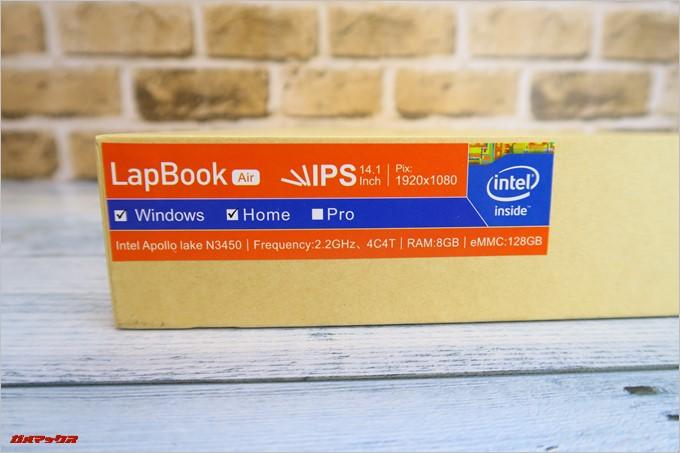 Chuwi LapBook AIRの外箱にはWin10/画面サイズなどの簡易スペックが記載されています
