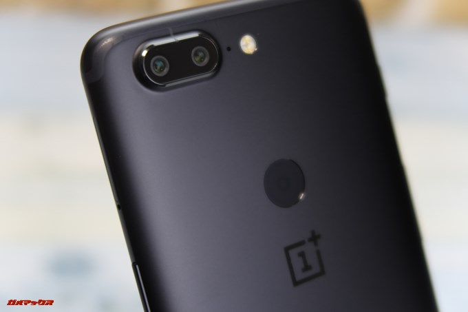 OnePlus 5Tはダブルレンズカメラを採用