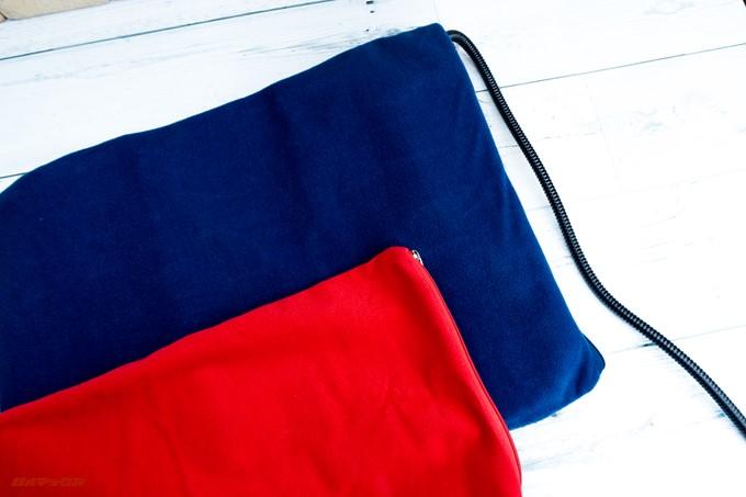 ペット用ホットカーペットには2枚のカバーが付属しています