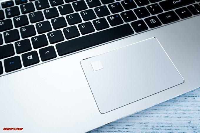 Teclast F6 Proの指紋認証は認識速度が早くタップするだけで一瞬でロック解除できます。