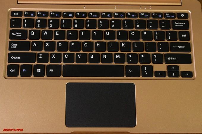 YEPO 737A NotebookのキーボードはUS配列です。