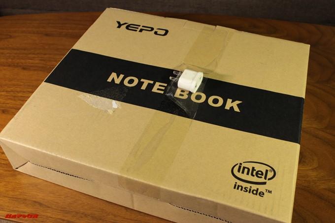 YEPO 737A Notebook自体の外箱は比較的綺麗でした。