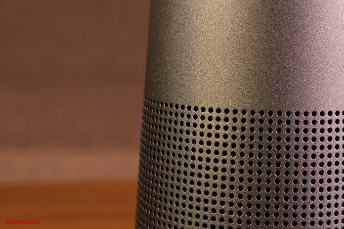 BOSE SoundLink Revolveはアルミ媒体は非常に高品質