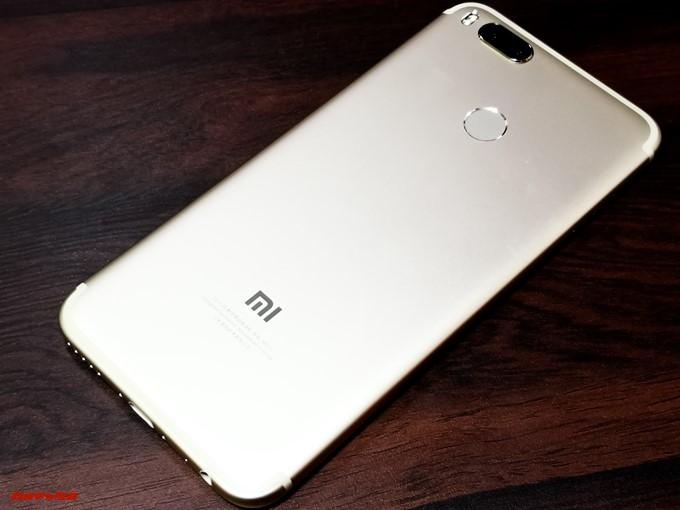Xiaomi Mi 5Xの背面はメタルボディー仕様でした