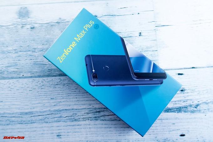 ZenFone Max Plus (M1)は簡易的なパッケージとなっています