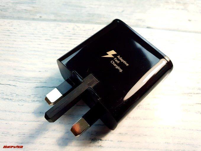 Galaxy S9とGalaxy S9+に付属している充電器は日本で利用できない形状です。
