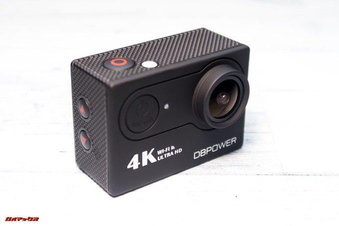 DBPOWER 4K 620Cの外観はプラスティック感満載の見た目です。安いので良しとしましょう。