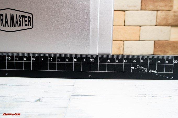 TerraMaster F2-220の奥行きは約220mmです。