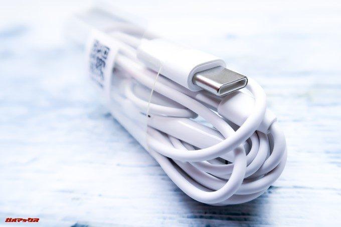 HUAWEI P20 Pro/P20に付属のイヤホンは直接USB Type-Cに差し込める形状のイヤホンが付属しています。