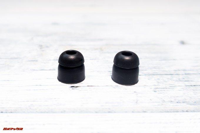SoundPEATS D6のイヤーピースは2個付属しています。どちらも同じ形です。