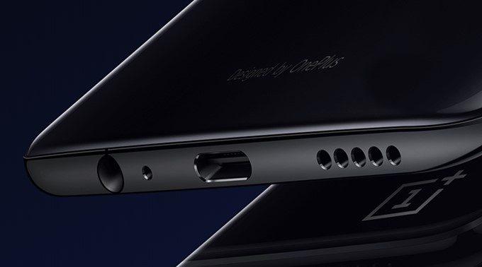 OnePlus 6はイヤホン端子が備わっています。