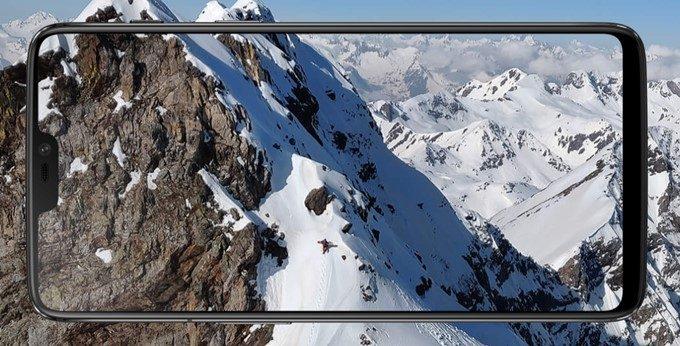 OnePlus 6はナビゲーションキーを非常時にしてジェスチャーで操作が可能。表示領域を最大限活かせます。