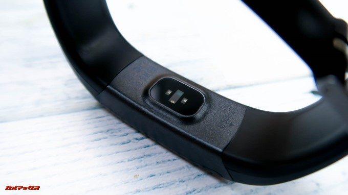 Makibes HR3の本体裏にはヘルスセンサーが備わっています。
