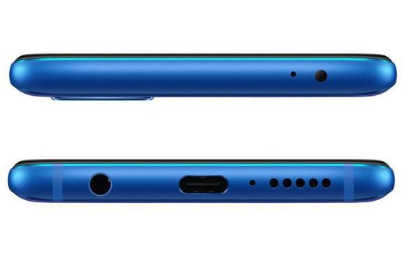 Huawei Honor 10は裏表関係なく差し込めるUSB Type-cを搭載。イヤホンジャックも備わっています。