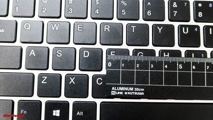 Teclast F7のキーピッチは16mmで快適にタイプング出来ます。