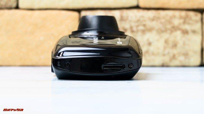 GoSafe S36G1は本体側面にMicroSDスロットが備わっているので取り外しやすいです。