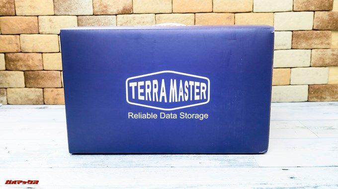 TerraMaster F4-220は紫のキレイなボックスで届きます。