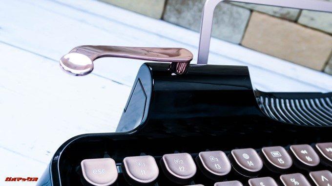 Rymek BluetoothメカニカルキーボードのレバーはBluetooth接続と有線接続を簡単に切り替えられるレバーです。