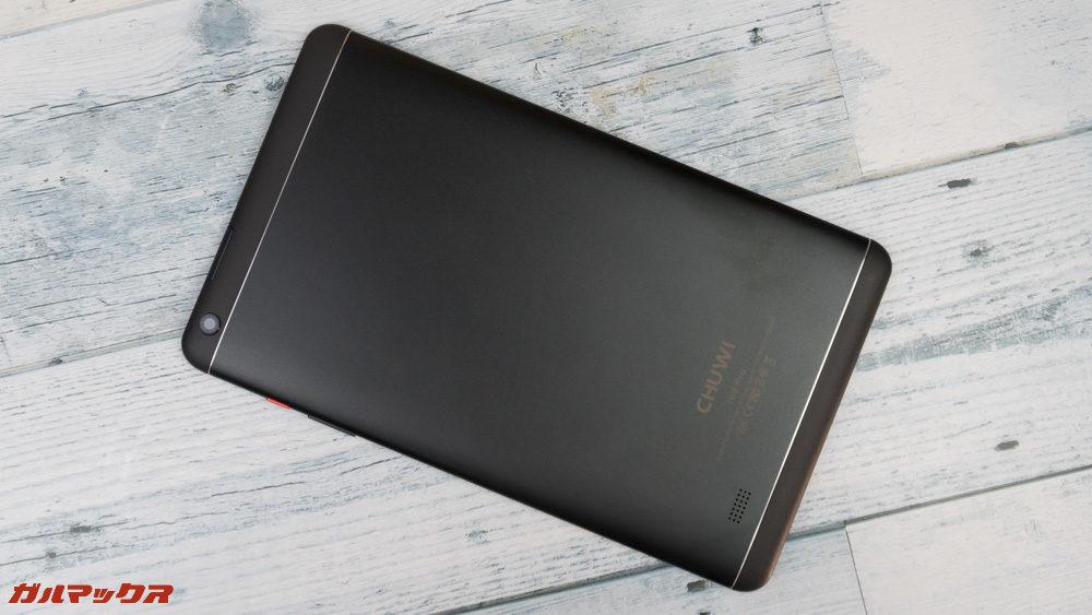 CHUWI Hi9 Proの背面はメタル素材となっています。