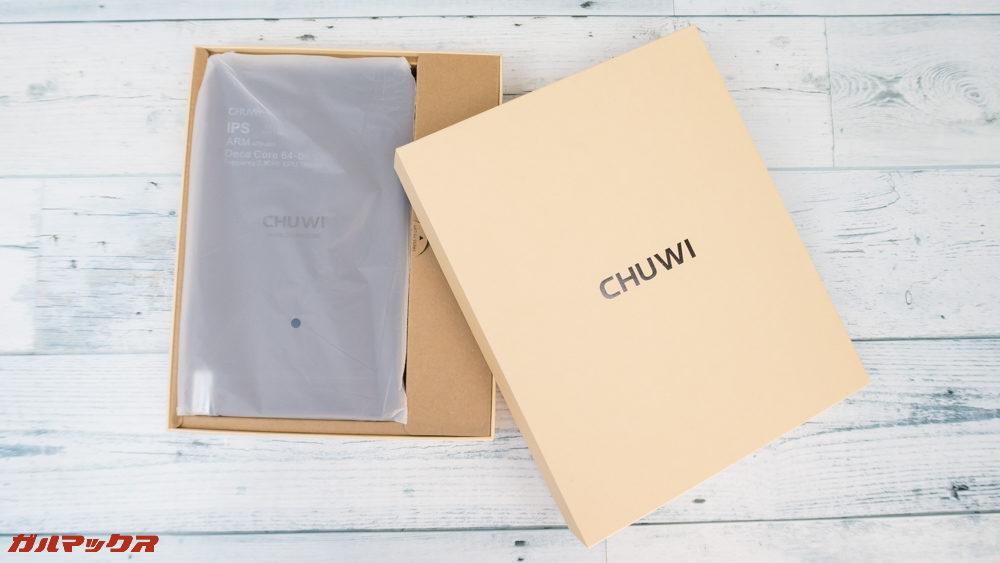 CHUWI Hi9 Proは本体、アクセサリー、書類関係が別々に綺麗に梱包されていました。