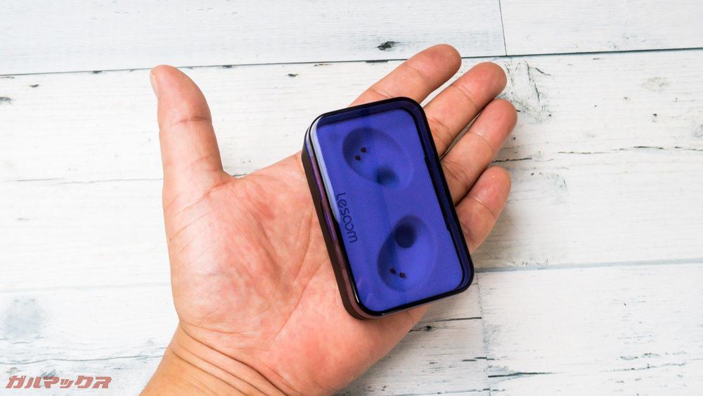 Lesoom T1の充電ケースの大きさは少々大型