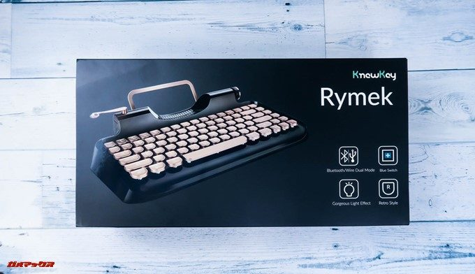 Rymek Bluetoothメカニカルキーボードのパッケージは製品の写真入りで完成しています。