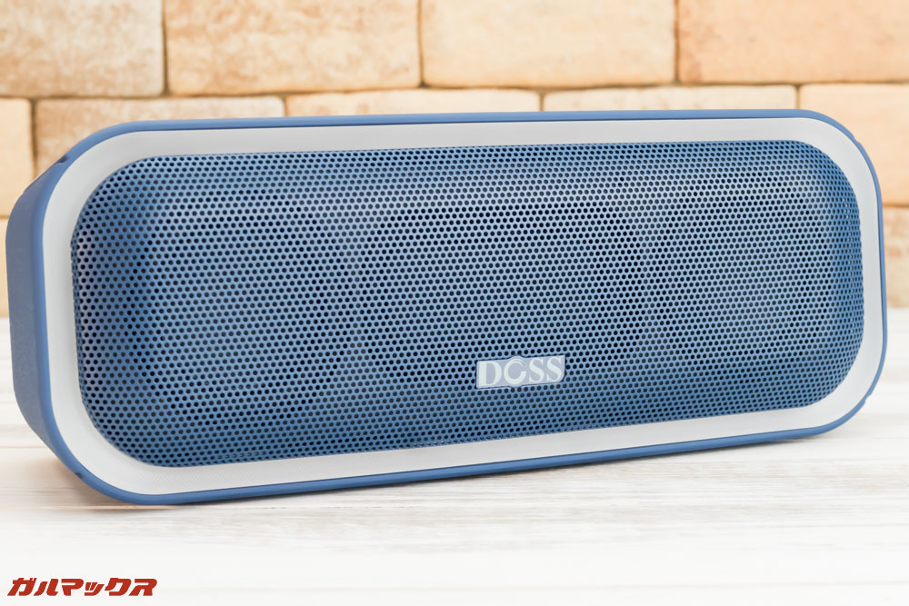 DOSS SoundBox Proのスピーカーグリルは金属製