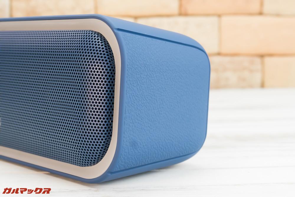 DOSS SoundBox Proには革調のデザインが採用されていました