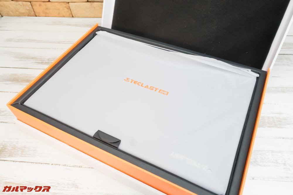 Teclast F5のは専用箱なので開封時のドキドキ感も味わえます