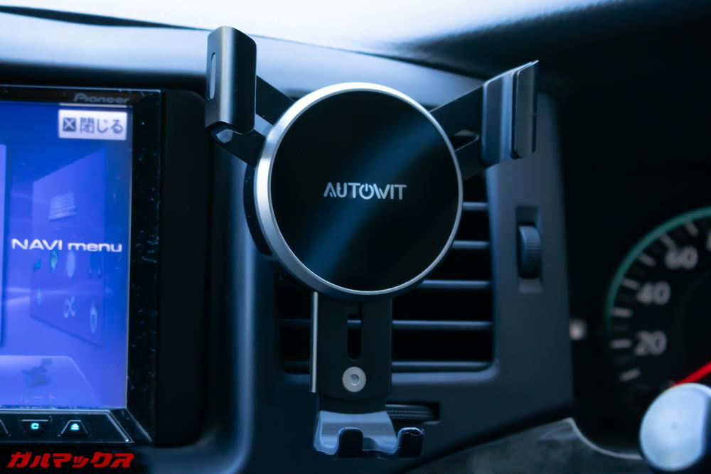 AUTOWIT FC01はダッシュボードには取り付けられないので注意。
