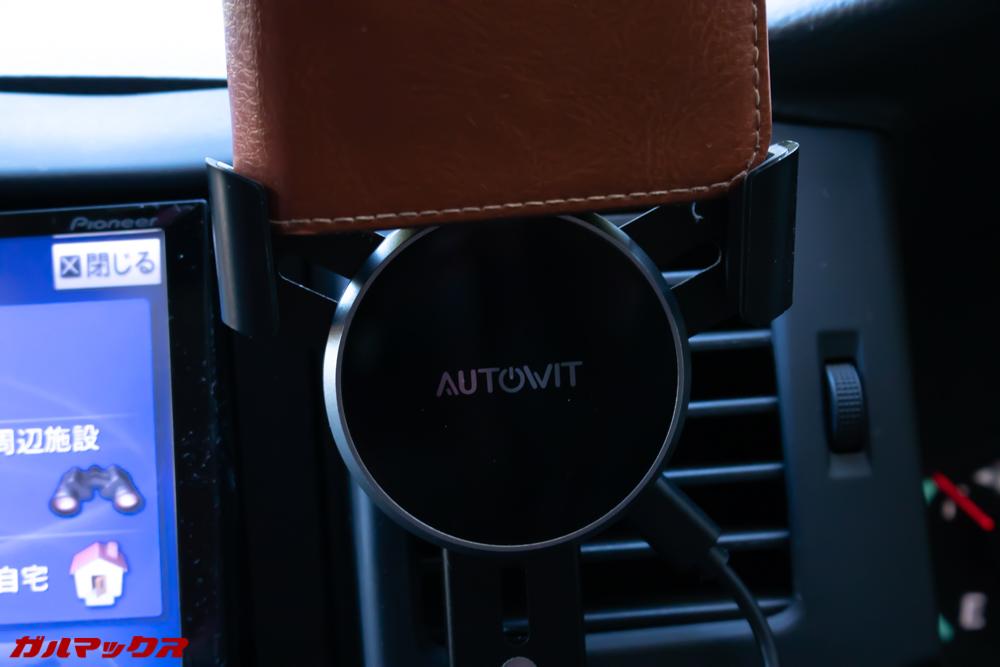 AUTOWIT FC01は手帳型ケースだと厚すぎて取り付け出来ない。